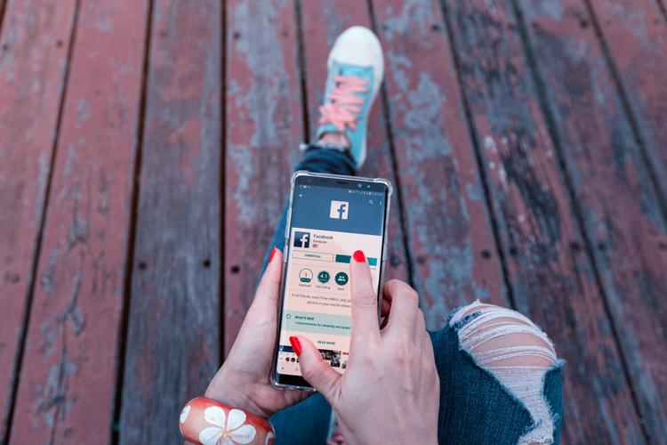 脸书将停止手机号码推荐好友功能的图片 第1张
