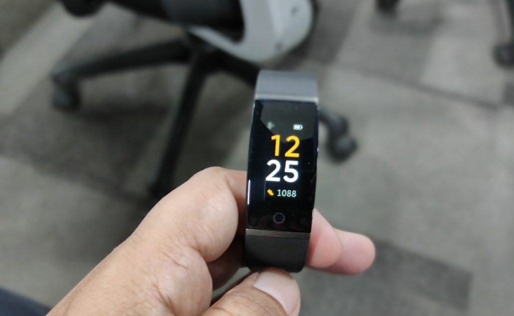 Realme Band手环迎来v6.0更新:新增查找手机和天气功能等