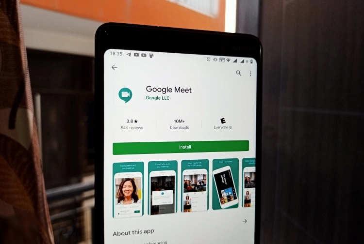 谷歌将为Google Meet推出视频背景模糊功能