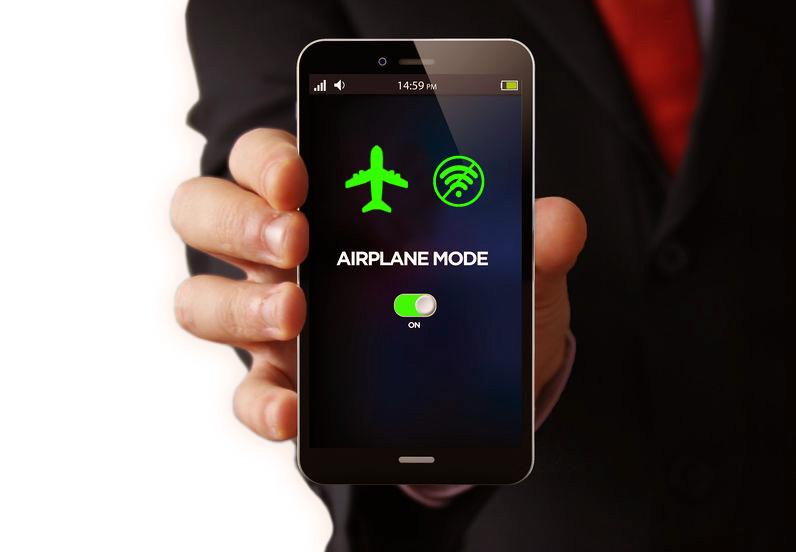 美国「允许飞机上打电话」提案再次被否