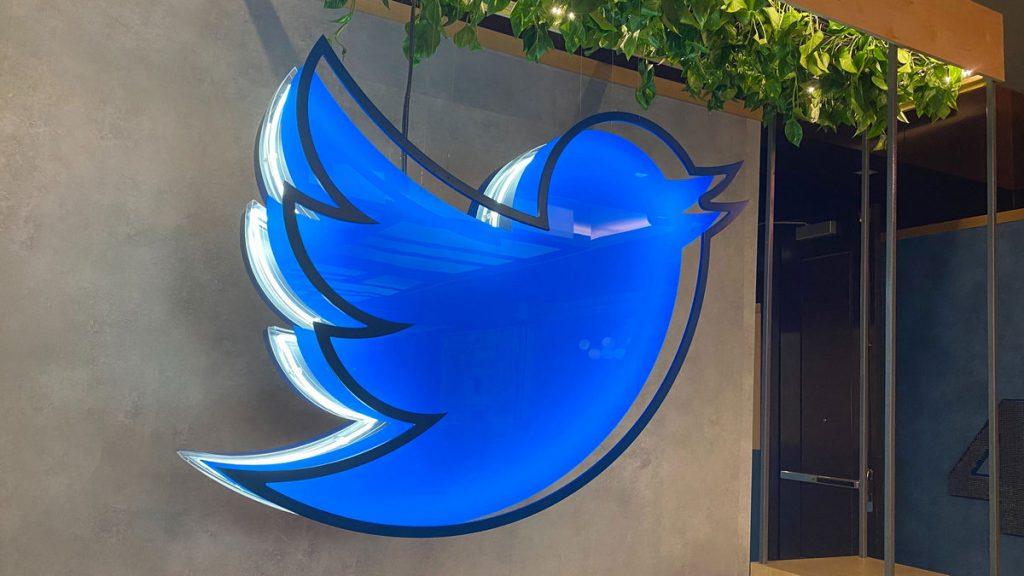 拜登即将上任,新旧总统的推特账号怎么办?