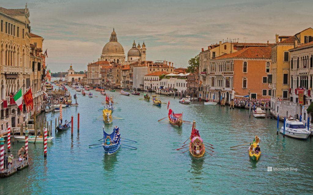 必应官方壁纸分享:威尼斯传统赛舟会